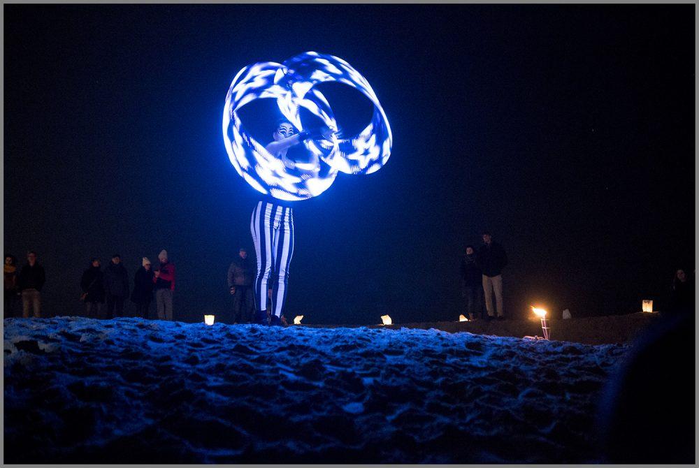 Zora-shows-lichtshows-freestyle-hoepel